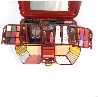 Oily PROFESSIONAL MAKEUP KIT IN BIG SIZE AND HIGH QUALITY