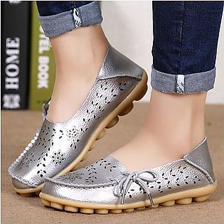 Factory wholesale sandals summer shoes hole flat leather shoes casual girls aged Doug Mama shoes code SILVER