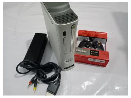 XBOX 360 LT3 with 1 Wired Controller, 2 Games, 20GB HDD, LT3 (Used Japan Imported)
