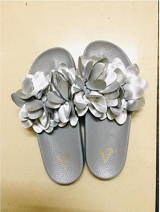 Comfortable Ladies Slippers(SIZE = 37)