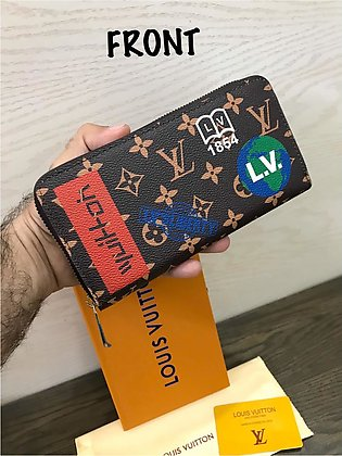 ZIPPER Wallet With Dust Cover,Brand Card & Brand Box  8x4 Inches.
