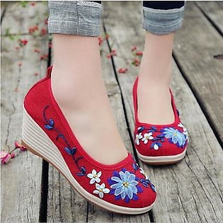 2019 New embroidered women's shoes old Beijing cloth shoes ox tendon bottom slo…