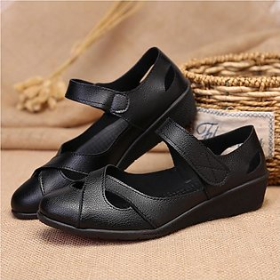 Middle-aged women's sandals flat mother shoes old man summer sandals middle-age…