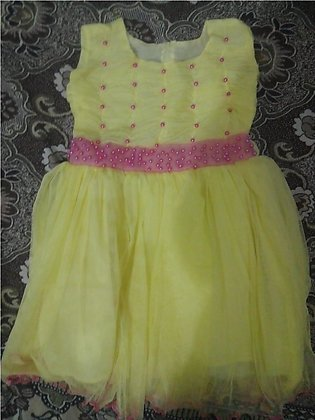Comfortable fit stitched frocks for girls