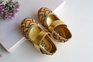 New Hotzzz Multi Colour Stylish Shining Sandals For baby Girl