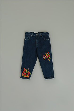 EMBROIDERED MOM FIT JEANS (GBF203093)