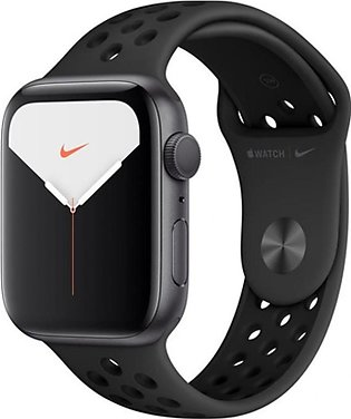 Apple Watch Series 5 44mm Space Gray Aluminum Case with Black Nike Sport Band...