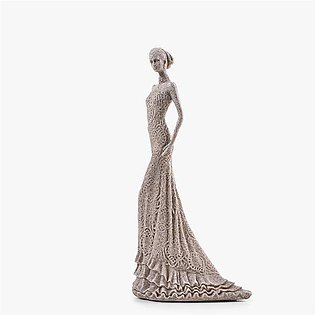 WEDDING DRESSED LADY SCULPTURE