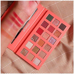 O.TWO.O OCEAN MYSTERY 18 COLORS EYESHADOW PALETTE