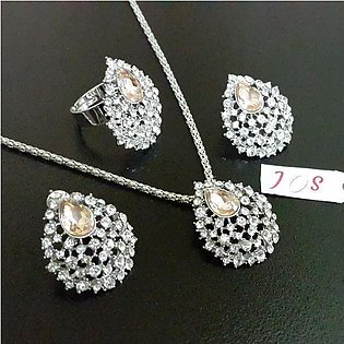 Sparkling Jewellery Set with Ring in Light Weight