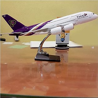 Diecast 1:160 Scale Airplane - Thai Airlines Boeing 777