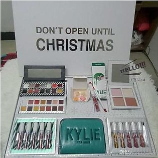 MD DON'T OPEN UNTIL CHRISTMAS MAKEUP KIT